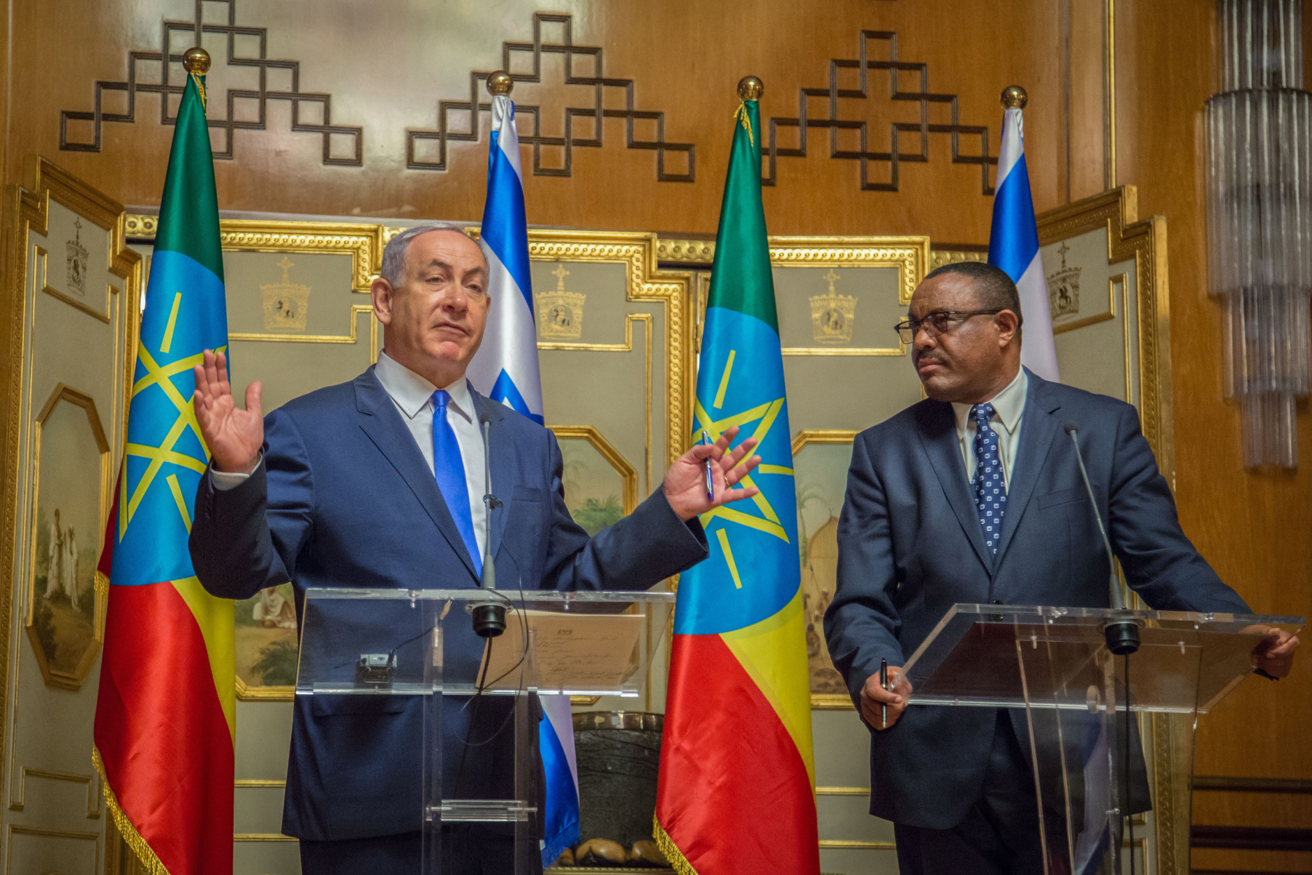Israeli Prime Minister Benjamin Netanyahu, left, and Ethiopian Prime Minister Hailemariam Dessalegn speak during a joint press conference in Addis Ababa, Ethiopia, Thursday, July 7, 2016. Netanyahu is on one day state visit to Ethiopia. (AP Photo/Mulugeta Ayene)