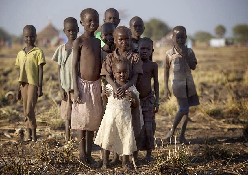 children-going-to-kakuma