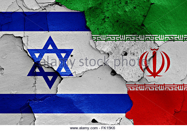 flags-of-israel-and-iran-painted-on-cracked-wall-fk15k6