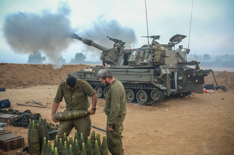 <p> 	An Israeli artillery fires a shell towards the Gaza Strip from their position near Israel's border with the Gaza strip on July 24, 2014.</p>