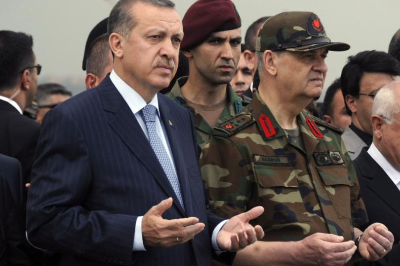213320-turkish-prime-minister-erdogan-and-armed-forces-chief-general-ilker-ba