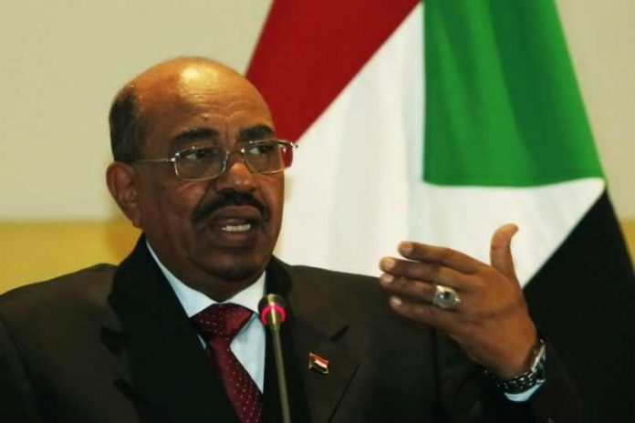 213813-sudanese-president-omar-hassan-al-bashir-speaks-during-a-news-conferen-696x464