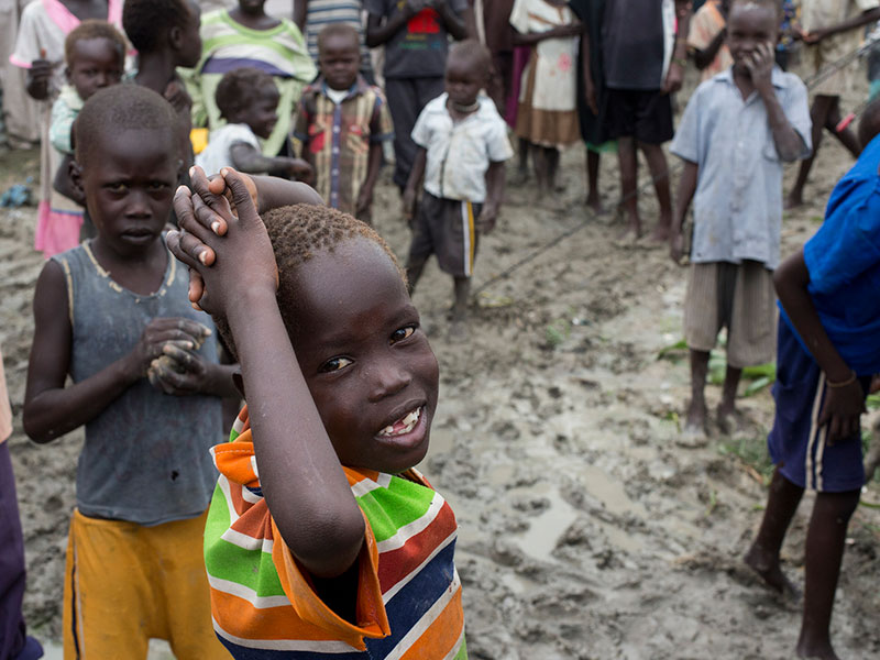 united-we-gift-refugee-donation-foundation-social-enterprise-south-sudan-children-01