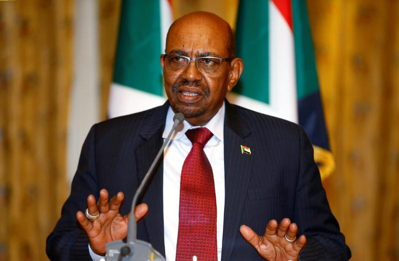 Sudan's President Omar Al Bashir addresses a news conference at the national palace during his official visit to Ethiopia's capital Addis Ababa, April 4, 2017. REUTERS/Tiksa Negeri