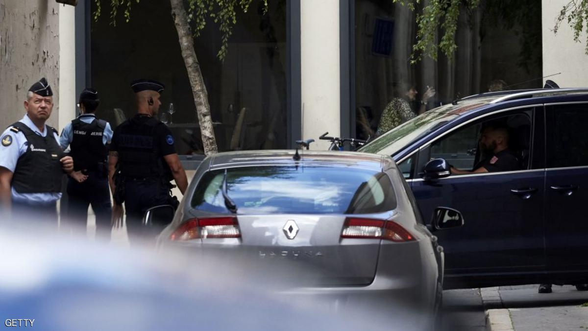 Key witness Murielle Bolle (R) arrives by car, escorted by a French gendarm, at the Court of Appeal in Dijon on July 28, 2017 ahead of a confrontation with her cousin as part of the investigation in the Gregory case. Murielle Bolle, a key witness in the Gregory case, will be confronted on July 28, 2017 with her cousin whose revelations were decisive in her recent incarceration, restarting the investigation into the murder of the four-year-old Gregory Villemin in 1984, 32 years after the events. Investigators involved in the case today want in particular to find out why Bolle went back on her original accusations, and last month she herself was placed under investigation in the case. / AFP PHOTO / JEAN-PHILIPPE KSIAZEK        (Photo credit should read JEAN-PHILIPPE KSIAZEK/AFP/Getty Images)